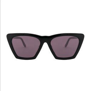 Illesteva lisbon sunglasses blue frame